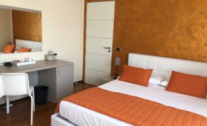 Suite con Terrazza e Vista Lago - B&B Il Giardino Segreto